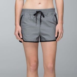 Lululemon Varsity Shorts Black and Grey Sz 6